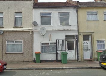 Thumbnail 2 bed flat to rent in Buckingham Road, Stratford