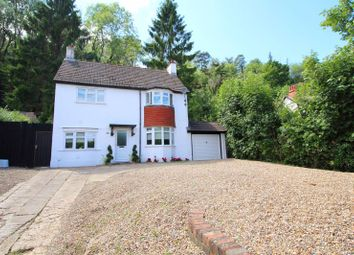 Stafford Road, Caterham CR3. 3 bed detached house