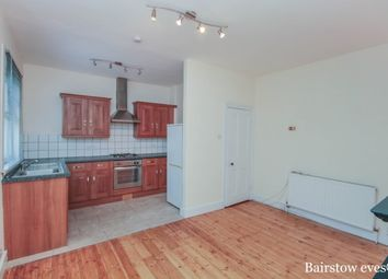 Thumbnail 2 bed property to rent in Waverley Road, South Woodford