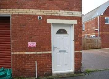 Thumbnail 1 bed flat to rent in Leslie Road, Exmouth