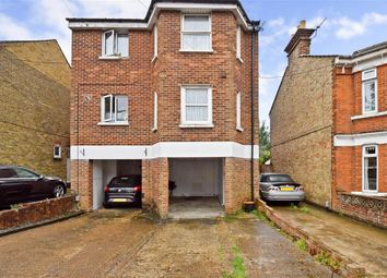 Thumbnail 3 bed town house for sale in Barton Road, Maidstone, Kent