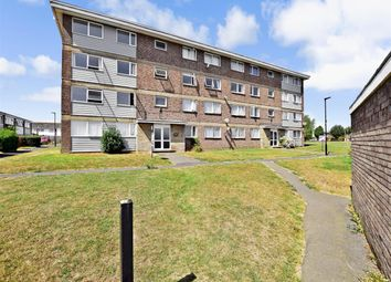 Thumbnail 2 bedroom flat to rent in The Green, Cowes