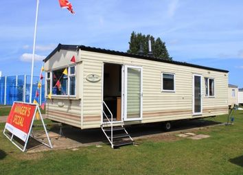 Thumbnail 2 bedroom mobile/park home for sale in Breydon Water Holiday Park, Butt Lane, Burgh Castle