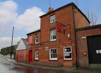 Thumbnail Pub/bar for sale in Hampton Road, Newbury