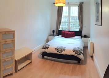 Thumbnail 3 bed flat to rent in Flat 2, London