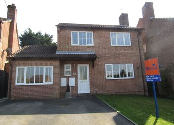 Thumbnail 4 bed detached house for sale in Valley Park Drive, Clanfield, Waterlooville