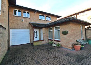 3 bed property for sale in Ulyett Place, Oldbrook, Milton Keynes MK6