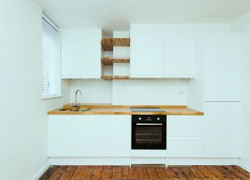 3 Bedrooms Flat to rent in Carrick House Caledonian Road, Islington N7