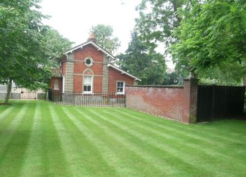 Thumbnail 2 bed detached house for sale in Oatlands Drive, Weybridge, Surrey