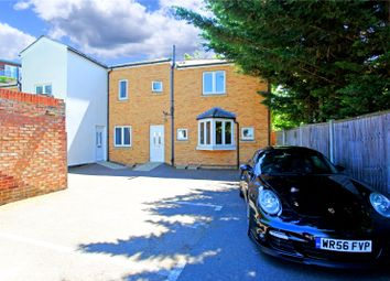 Thumbnail Flat to rent in Carlingford Road, London