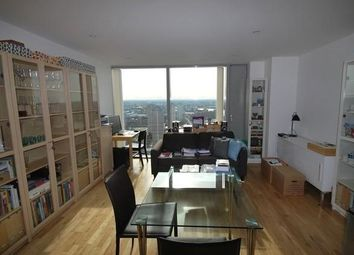 1 bed flat to rent in Landmark West Tower, 22 Marsh Wall, London E14
