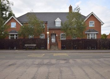 Thumbnail 2 bedroom flat to rent in Gowers Yard, Tring