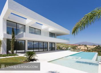 Thumbnail 6 bed villa for sale in Los Flamingos Golf, Benahavis, Costa Del Sol