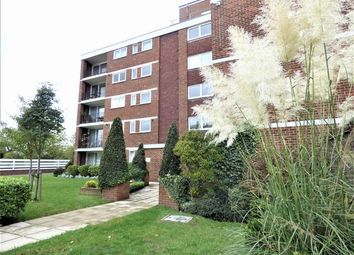 Thumbnail Flat for sale in Green Vale, Ealing