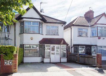 Thumbnail 3 bedroom property to rent in Aprey Gardens, London
