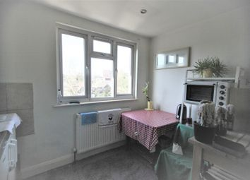 Thumbnail Studio to rent in Leeside Crescent, Golders Green