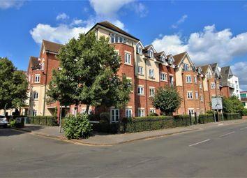 Thumbnail 2 bed flat to rent in Rosemount Avenue, West Byfleet