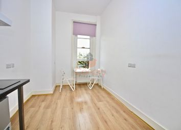 Thumbnail Studio to rent in Eardley Crescent, London