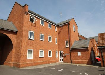 2 bed flat to rent in Meachen Road, Colchester, Essex CO2