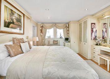 Thumbnail 1 bedroom flat for sale in Pepper Street, London