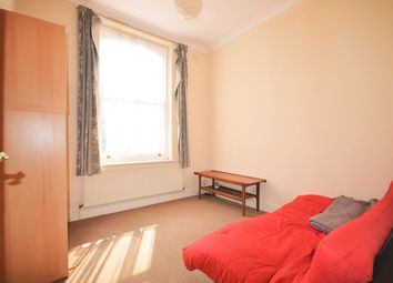 Thumbnail 1 bed flat to rent in Somerfield Road, London