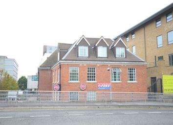 Thumbnail 1 bed flat to rent in High Street, Bracknell