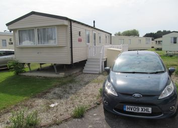 Thumbnail 2 bedroom mobile/park home for sale in Havant Close, Lakeside Leisure Park (Ref 5615), Vinnetrow Road, Chichester, West Sussex