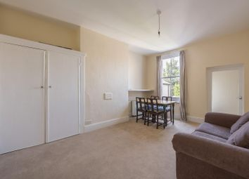 Thumbnail 2 bed flat to rent in Meadow Road, London