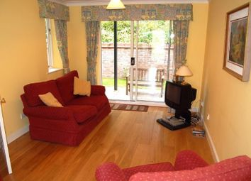 Thumbnail 2 bed flat to rent in Holly Place, High Wycombe
