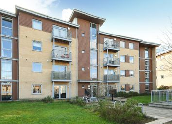 Thumbnail 2 bed flat for sale in Town Centre, Bracknell