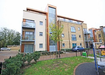 Thumbnail 1 bed flat to rent in Southcott Road, Teddington