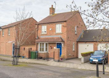 3 bed detached house for sale in Parmiter Close, Aylesbury HP19