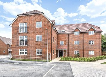 Thumbnail 1 bedroom flat for sale in Edmund House, 12 Copsewood, Wokingham