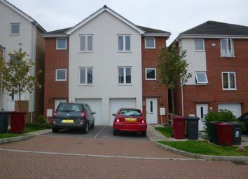 Thumbnail 4 bed town house to rent in Regis Park Road, Reading, Berkshire