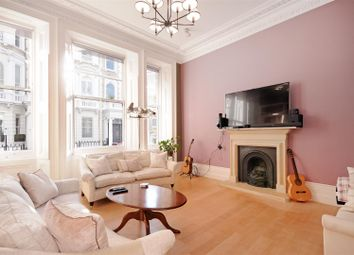 Thumbnail 3 bed flat to rent in Cornwall Gardens, Gloucester Road