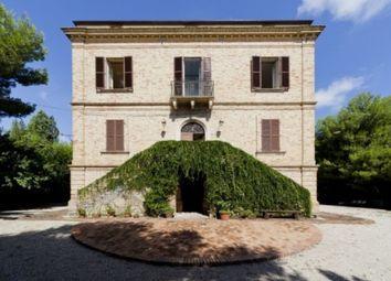 Thumbnail 8 bed villa for sale in Roseto Degli Abruzzi, Teramo, Abruzzo