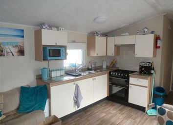3 bed mobile/park home for sale in Reach Road, St. Margarets-At-Cliffe, Dover, Kent CT15
