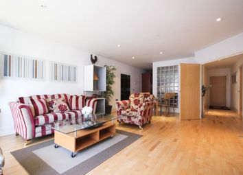 2 bed flat to rent in James House, High Street, Ealing, London W5