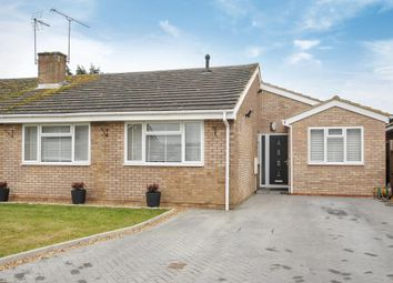 Thumbnail 4 bedroom bungalow for sale in Willant Close, Maidenhead