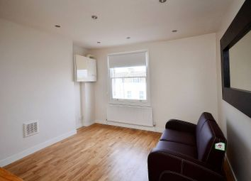 Thumbnail 2 bedroom flat to rent in Hornsey Road, Archway
