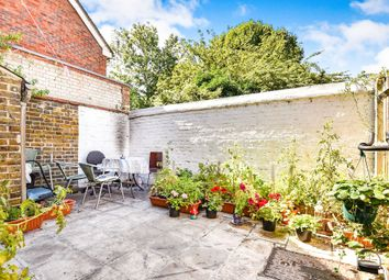 2 bed maisonette for sale in Ambergate Street, London SE17