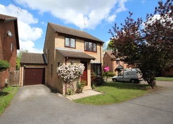Thumbnail 3 bed detached house to rent in Heather Close, Finchampstead, Wokingham