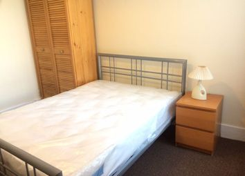 Thumbnail Room to rent in Tennyson Road, London