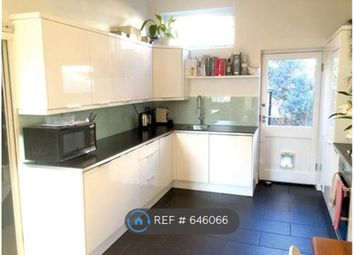 Thumbnail 3 bed flat to rent in Islington, London