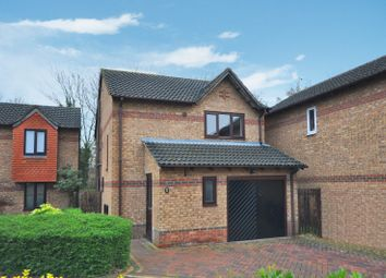 Thumbnail 3 bed property to rent in The Magnolias, Bicester