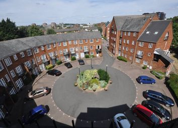 Thumbnail 3 bed flat to rent in Sovereigns Quay, Bedford
