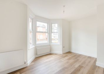 2 bed flat to rent in Headstone Road, Harrow HA1