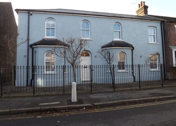 Thumbnail 1 bed flat to rent in Victoria Street, Dunstable
