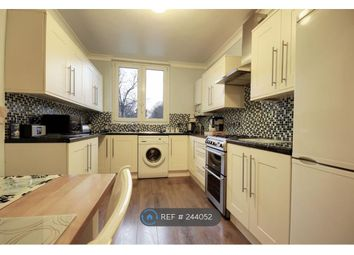 Thumbnail 3 bed flat to rent in Warwick Grove, London