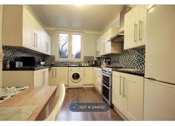 Thumbnail 3 bedroom flat to rent in Warwick Grove, London